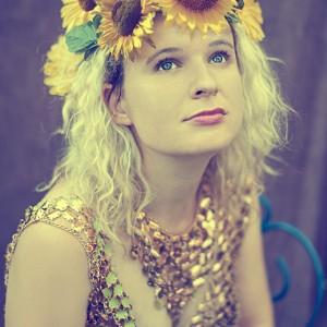 Sunflower Women I